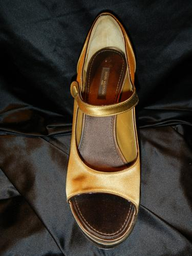 Louis Vuitton shoes satin brown khaki T.39