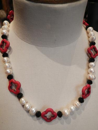Collier Defile de Marques  rouge+perles+onyx