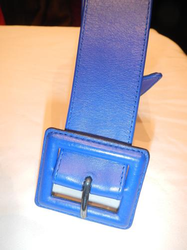 Défile de Marques blue leather belt