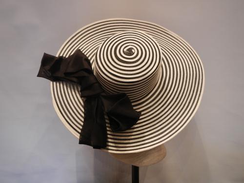 Chapeau Defile de Marques noir et blanc