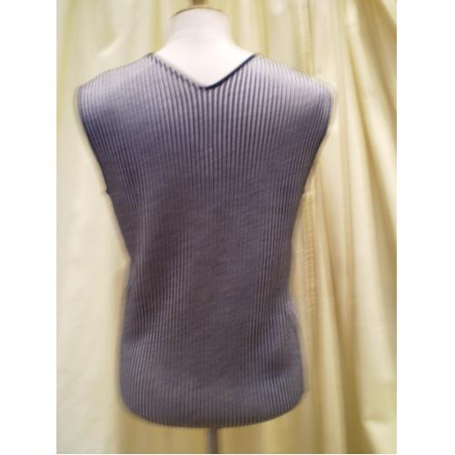 PULL ARMANI  A RAYURES NOIRES ET BLANCHES T.44