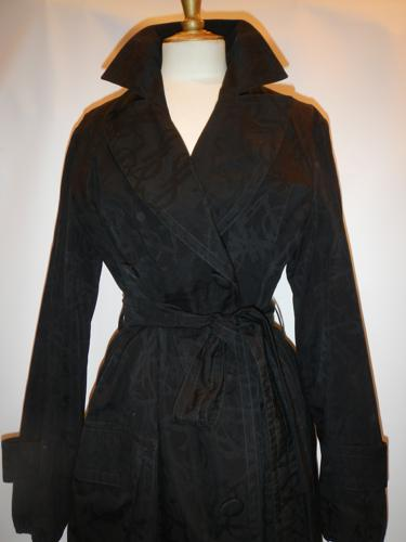 Yves Saint Laurent black raincoat T.38/40